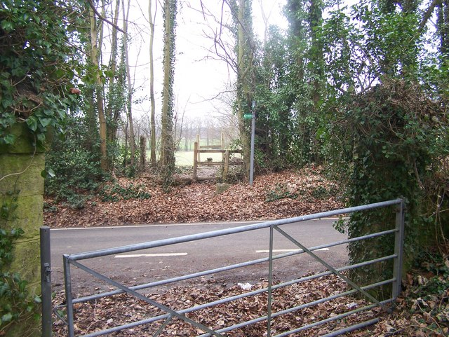 Footpath crosses Stede Hill road
