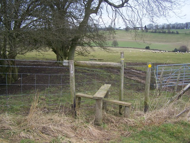 Stile on fence near Wrinsted Court