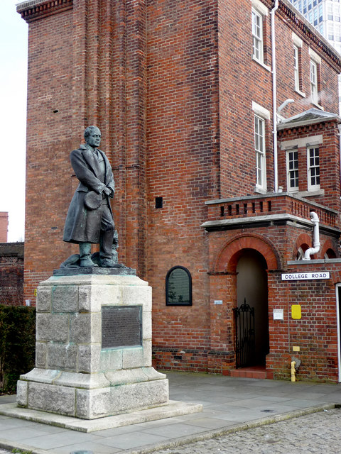 Statue of Robert Falcon Scott