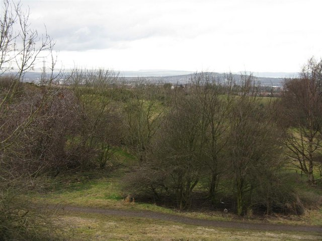 Looking north from Bonaly Country Park