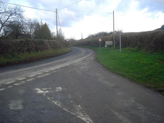Entering Leinthall Starkes