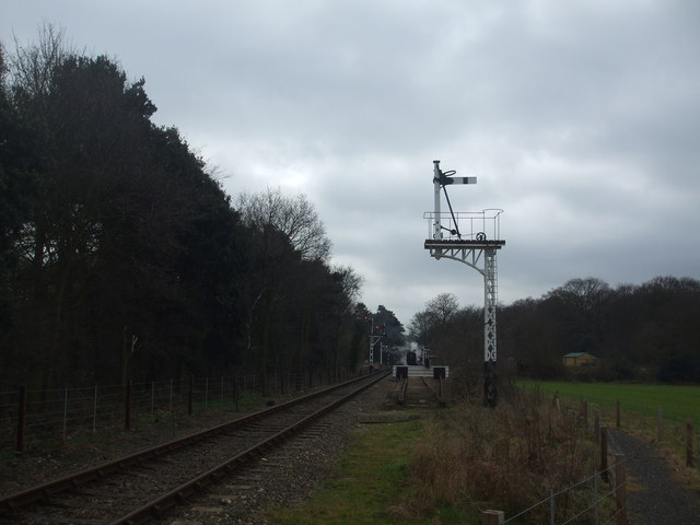 Approach to Holt station