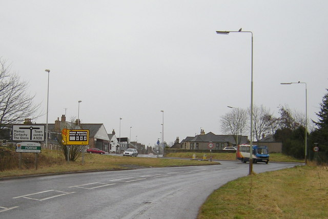 Approaching Forfar from Kirriemuir Road