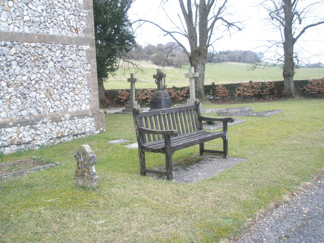 Seat in the churchyard of  St John the Evangelist, Langrish