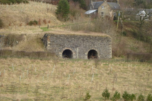 Old lime kilns below Wairdlaw farm
