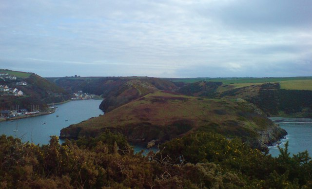 The Gribin - Solva to the left, Gwadn Bay to the right