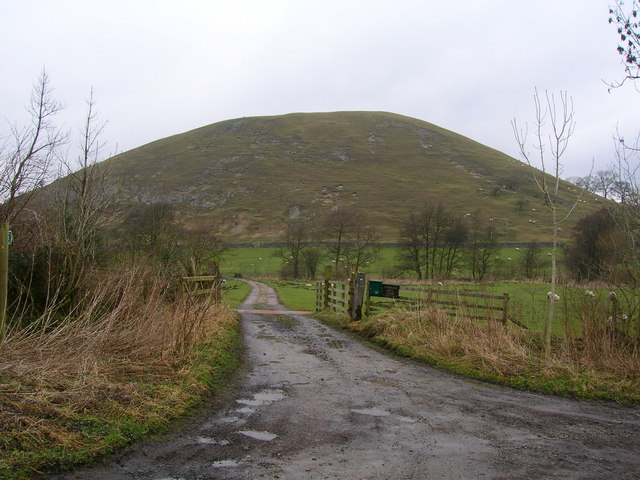 The track to Worsaw End