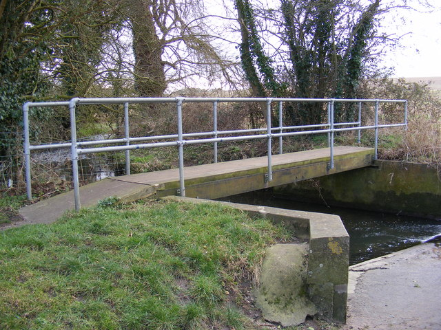 Footbridge over the river, Ford Road, Marlesford