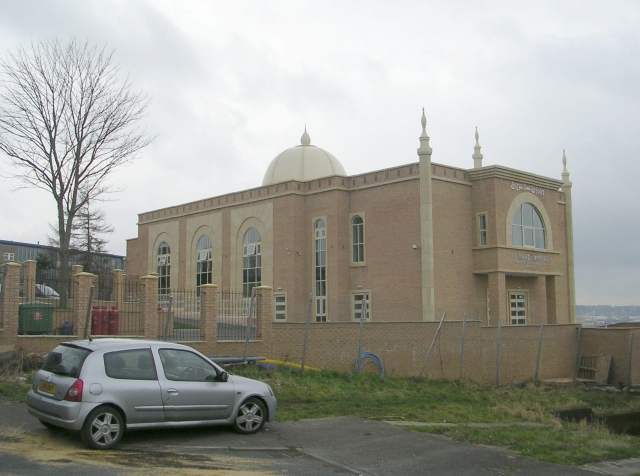 Al-Mahdi Mosque - viewed from Arnford Close