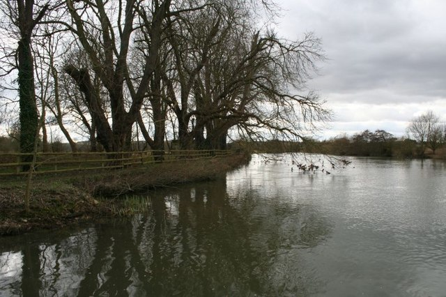 The Thames at Littlestoke