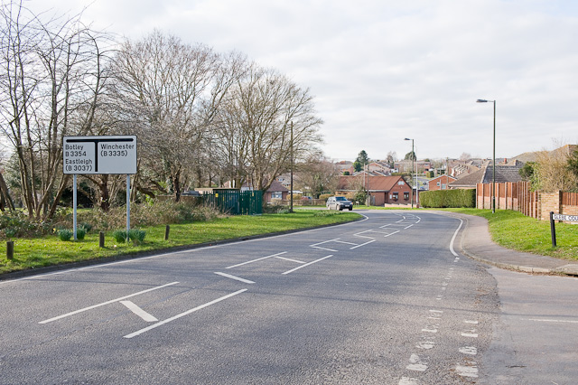 Mortimers Lane approaches Botley Road, Fair Oak