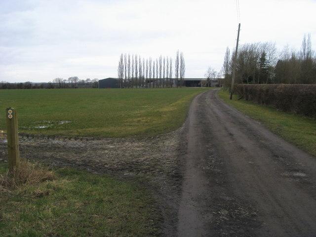 Footpath up to Barndon Farm