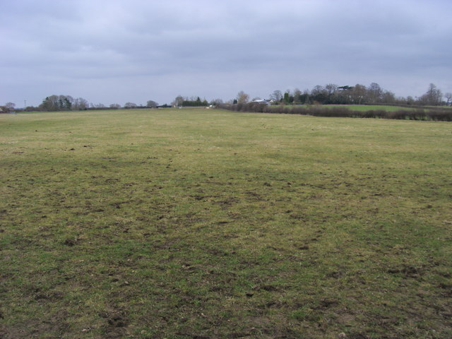 Across the fields to Hillcroft Farm