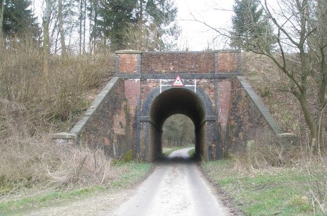 Former railway bridge in Shell Lane