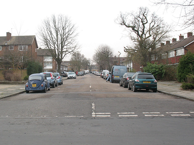 Courtlands Avenue, Lee - looking South