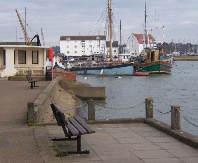 Approaching the quay at Woodbridge
