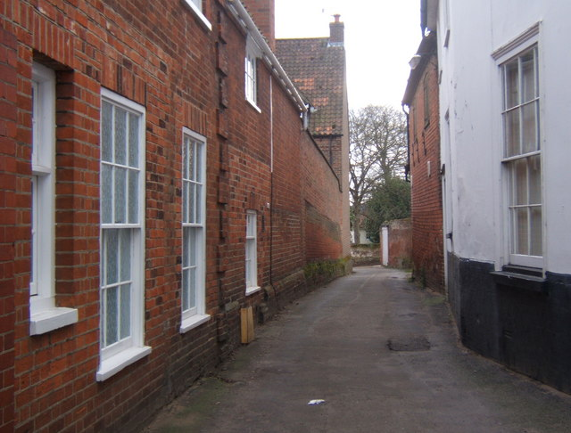 Narrow lane off Church Street