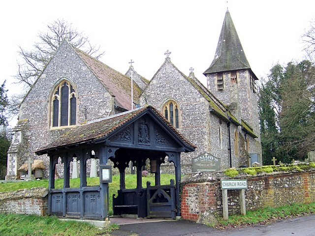 Lych gate and walls, Longstock