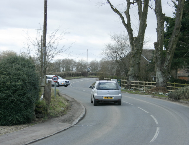 2009 : A342 heads north at Sandy Lane