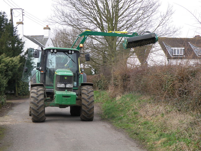 Hedge cutting in Hardwick Lane