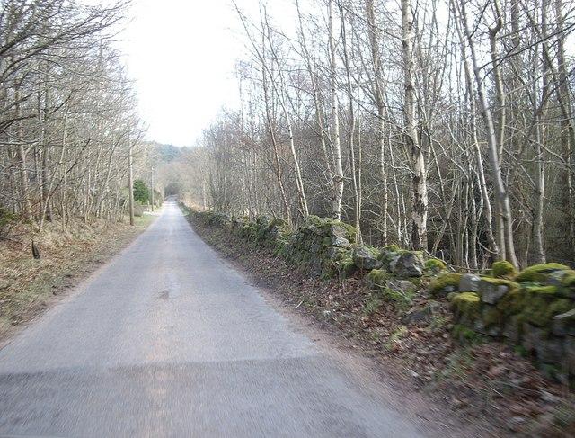Road from Craiglash to Bridge of Canny