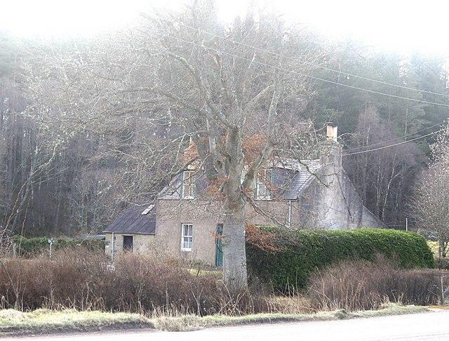 Cottage by Craiglash Junction, Bridge of Canny