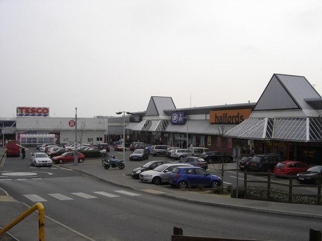 Shops at  Ravenside Retail Park