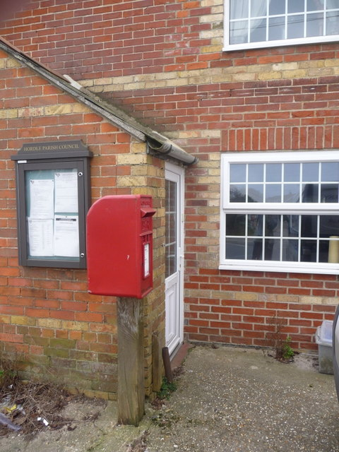 Tiptoe: postbox № SO41 22