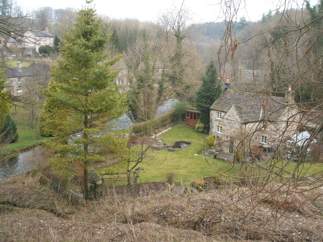 Riverside cottage in Alport