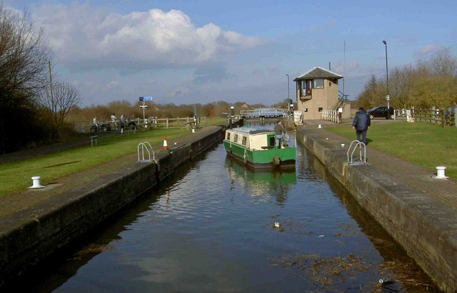 Sykehouse lock gates are closed