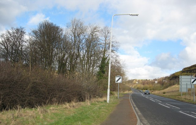 The minor road to Rosyth runs parallel with the A90