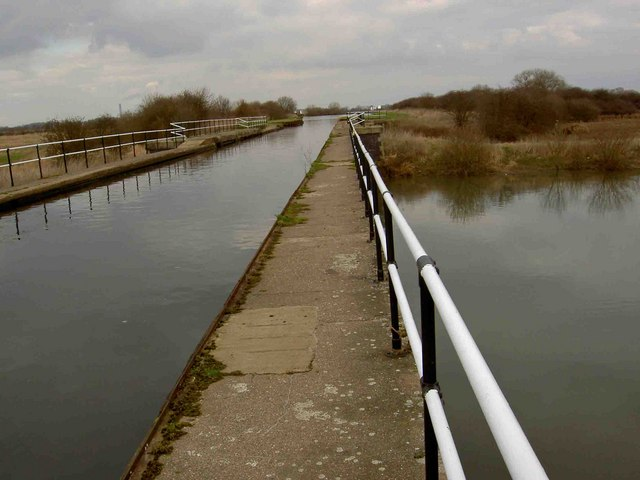 New Junction Canal aqueduct across the River Went