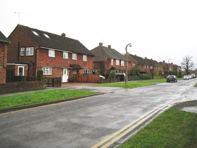 Horley: Crescent Way