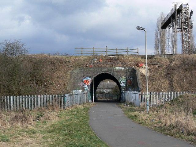 Footpath under the Midland Mainline
