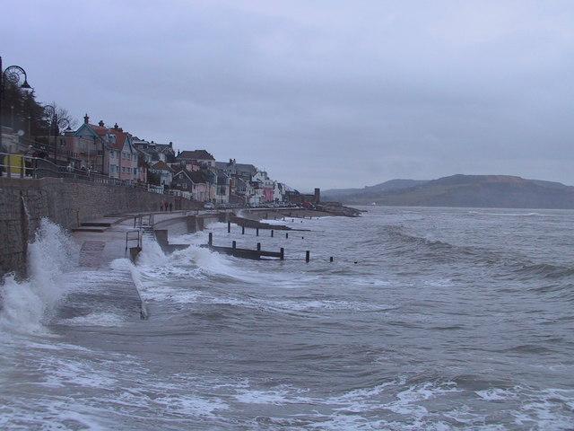 Waves crashing on the Seawall, Lyme Regis