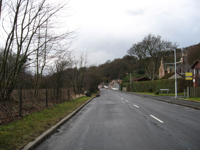 The coastal road through Low Valleyfield in Fife