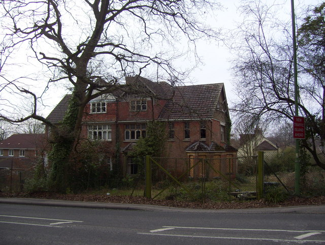 Abandoned building on Winchester Road
