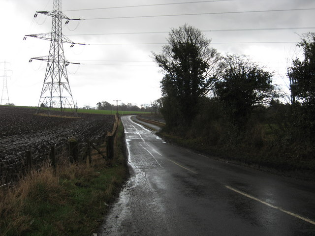 Country road between Culross and Kincardine