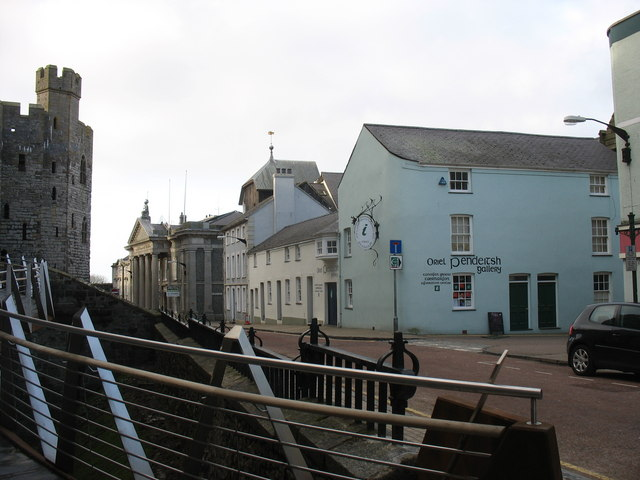 The Oriel Pendeitsh Information Centre from the Castle walkway