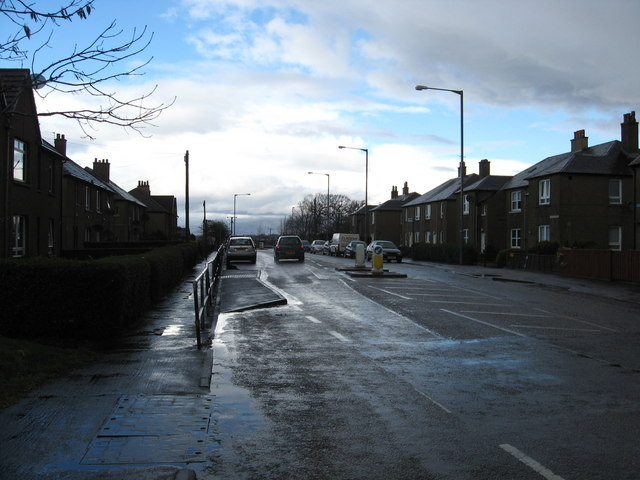 Looking back on the main street in Skinflats