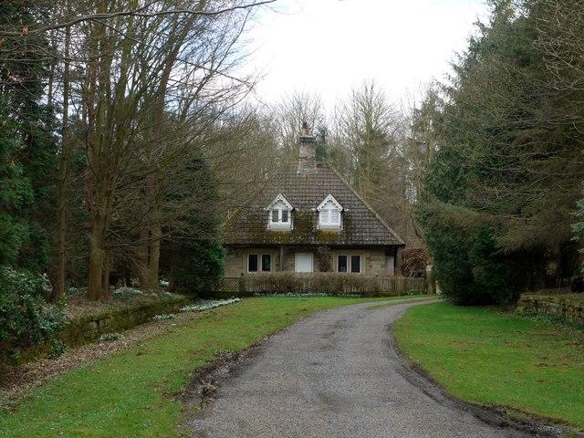 East Lodge, Matfen