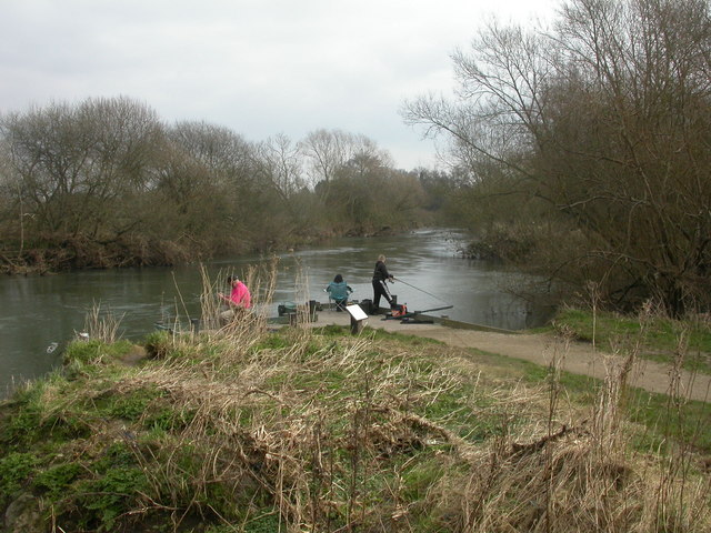 Stour Valley Nature Reserve, fishing platform
