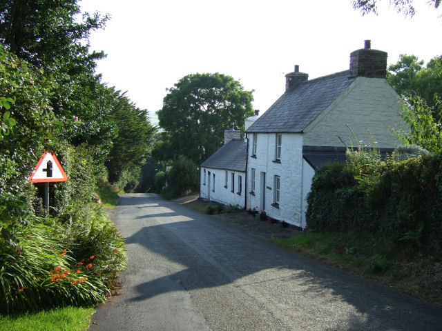 Cottages on the road downhill into Moylgrove
