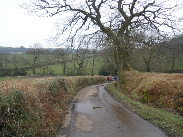 Minor road to Lower Luxton