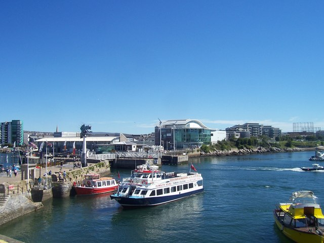 Plymouth : Plymouth Aquarium & Mayflower Steps