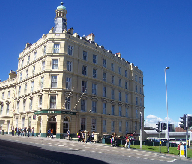 Plymouth : The New Continental Hotel