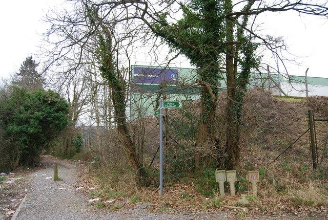 Footpath junction, Home Farm Lane, North Farm Estate