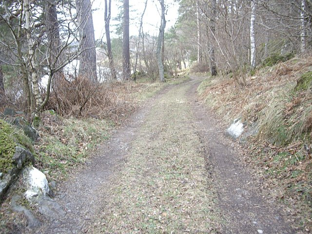 Approach to Woodend House