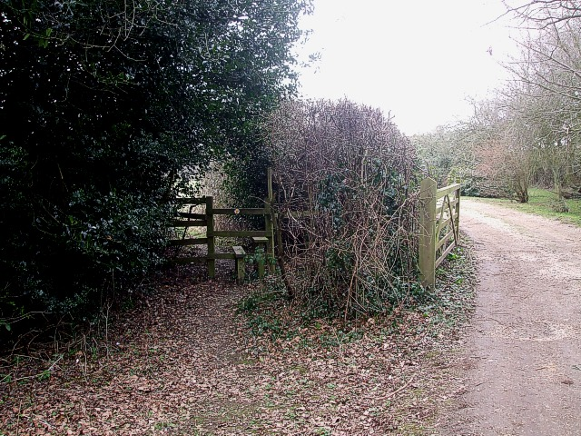 Stile & gateway, Asheridge