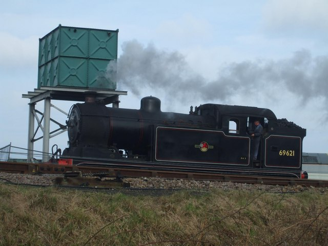 N7 69621 next to the water tower at Weybourne station